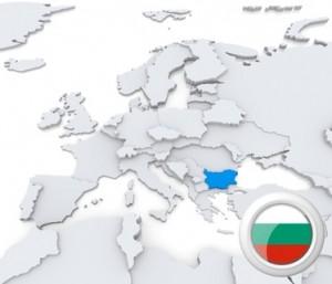 Die Karte und die Flagge Bulgariens.