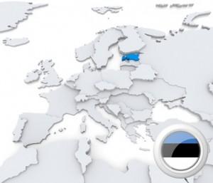 Die Europa-Karte mit Estland und seiner Flagge.