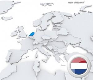 Europa-Karte mit Niederlande hervorgehoben sowie der Flagge.